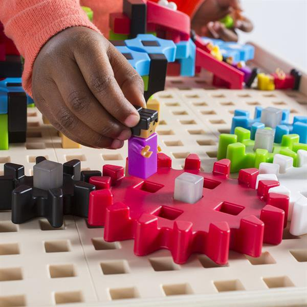 Конструктор с дополненной 3d реальностью Guidecraft IO Blocks Center со столом для класса, 458 деталей (G9609)